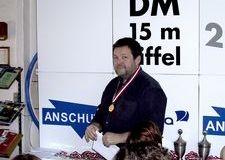DM 15 meter 2003